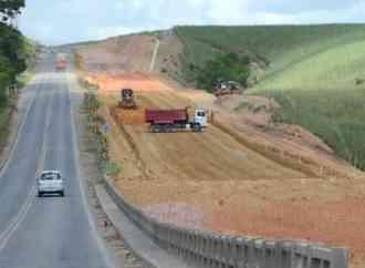 Criança é atropelada ao atravessar pista na AL-110 em Arapiraca