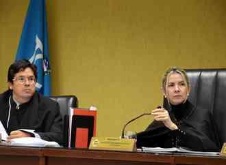 Renan Filho anuncia 14º salário para servidores das escolas que atingirem metas