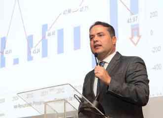 Renan Filho detalha investimentos em Alagoas em evento sobre competitividade