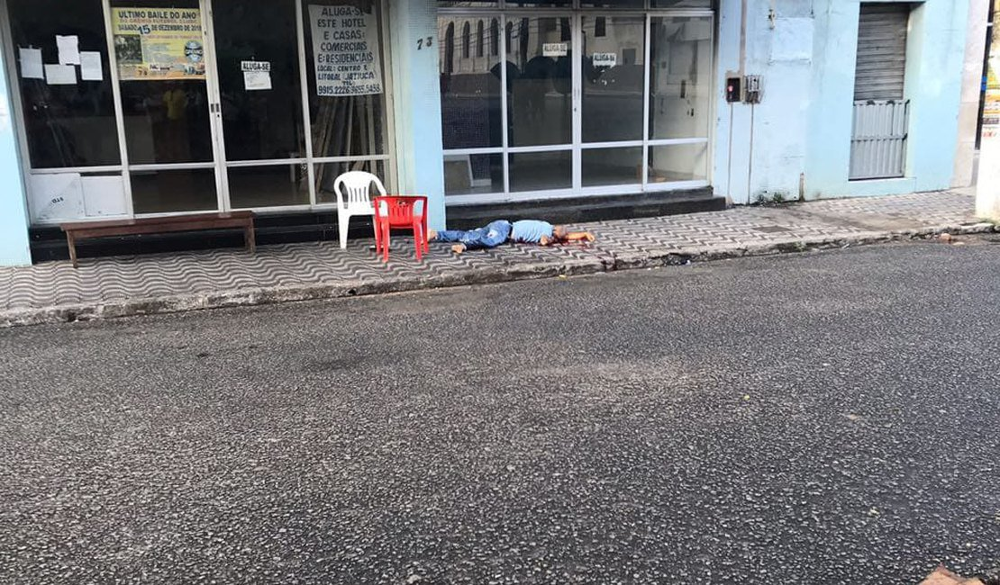Taxista é assassinado a tiros no Centro de Maceió
